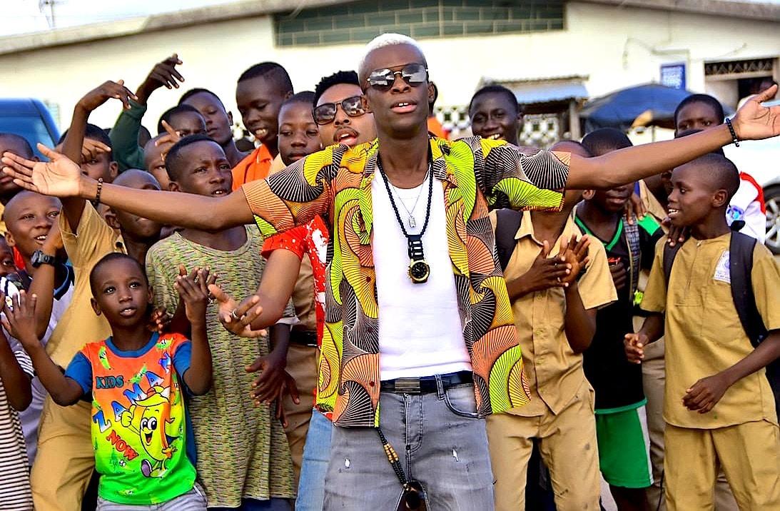 Romeomania, le chanteur qui déchaine les foules à Abidjan